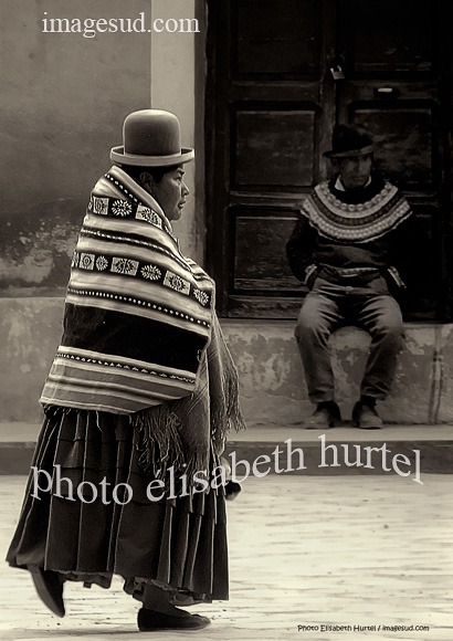 Bolivian atmosphere, street scene black and white