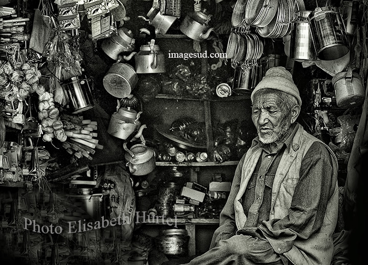 Small shop in Nepal, bw photo, people and daily life