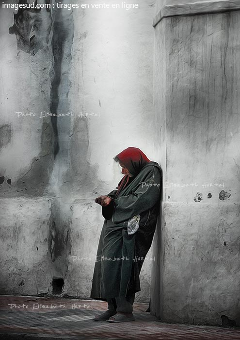 Street photography, begging in black and red