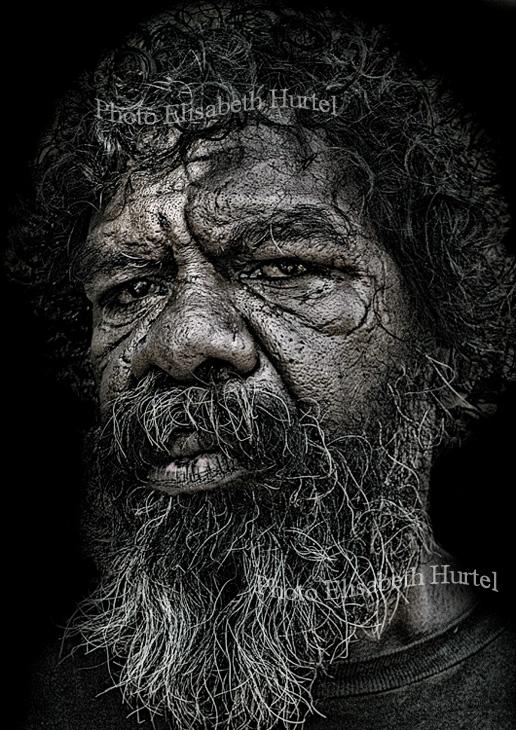 La dura vida, retrato de un aborigen en blanco y negro