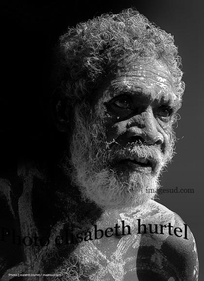 Aborigene de Australia, retrato en blanco y negro