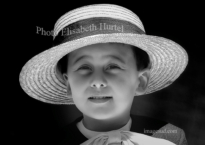 Retrato de un nino en blanco y negro