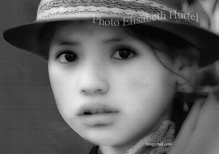 Nina de los Andes, retrato en blanco y negro