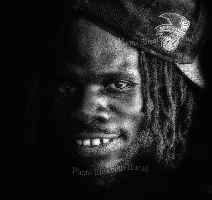 Joven del Caribe, retrato en blanco y negro