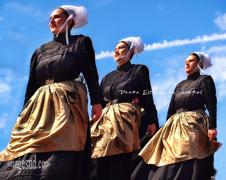Danse bretonne, habits traditionnels bretons