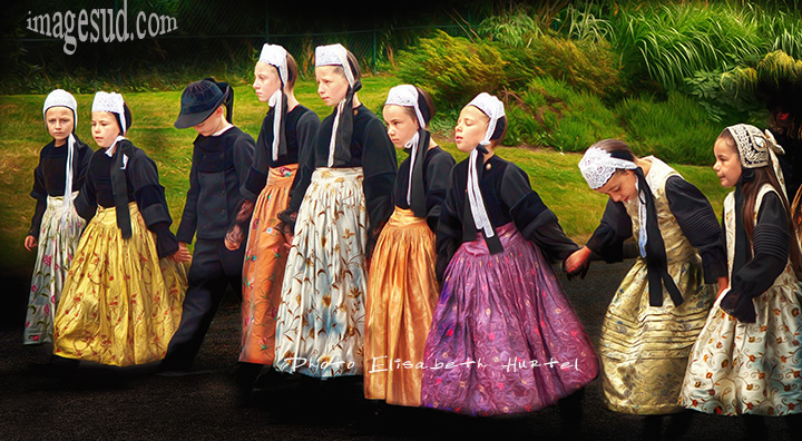 Costumes traditionnels de Bretagne