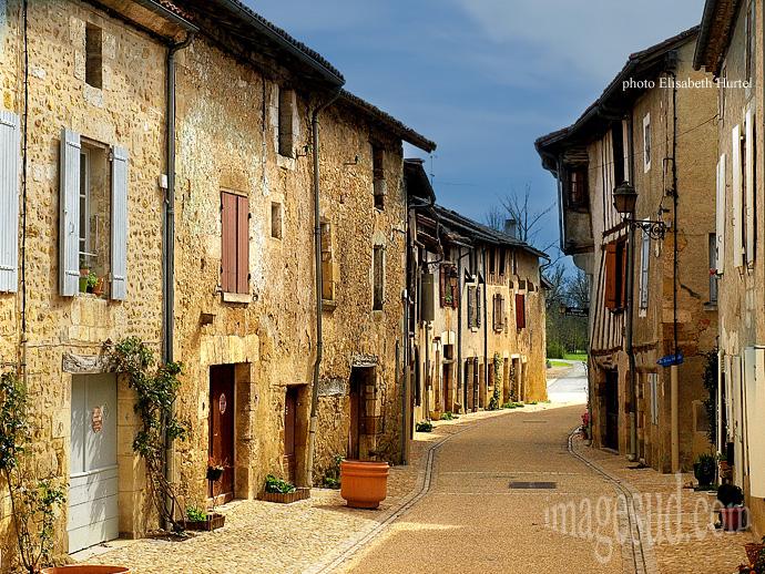 rue-village-st-jean-de-cole-p3-1327x