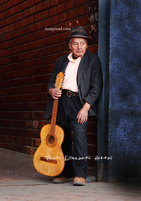 Guitariste de rue, Amérique du Sud