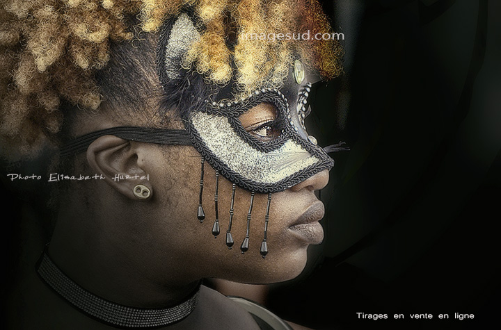 Portrait de carnaval : l'Inconnue au loup