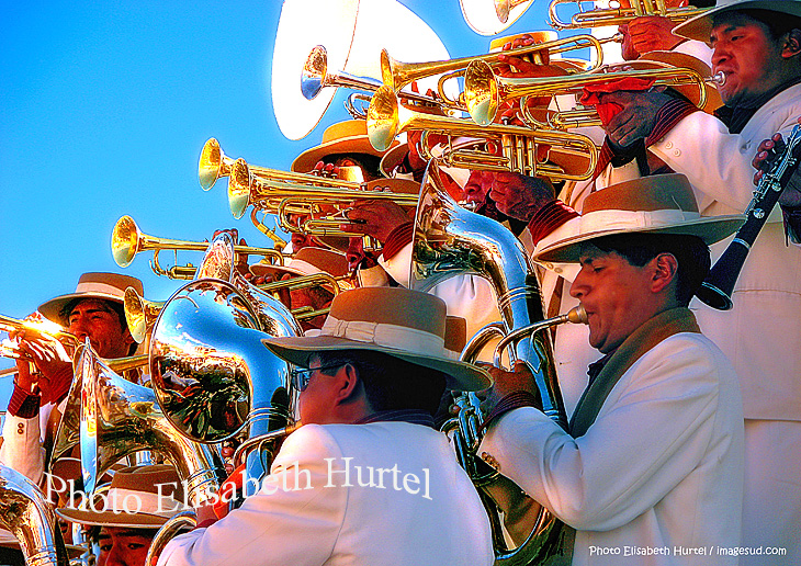 Tableau photo : fanfare de cuivres en Bolivie