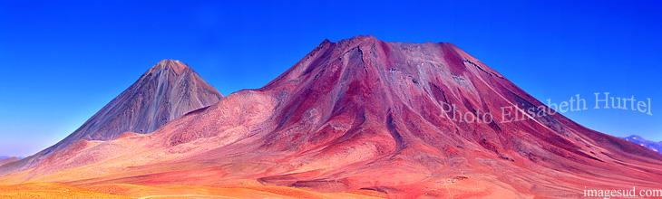 Panoramique haute résolution d'un volcan des Andes, paysage de montagne, photo d'art, Bolivie