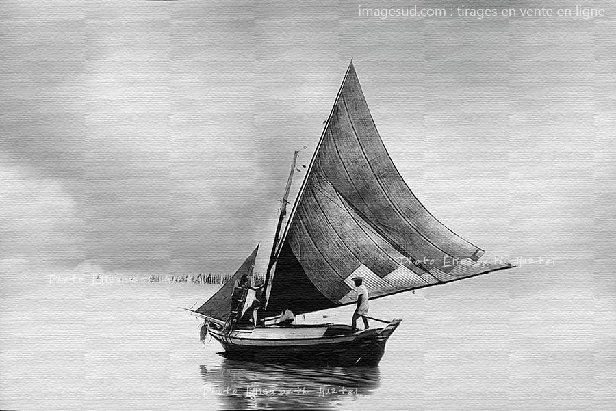 Tirage sur toile d'un bateau traditionnel du Brésil sous voile