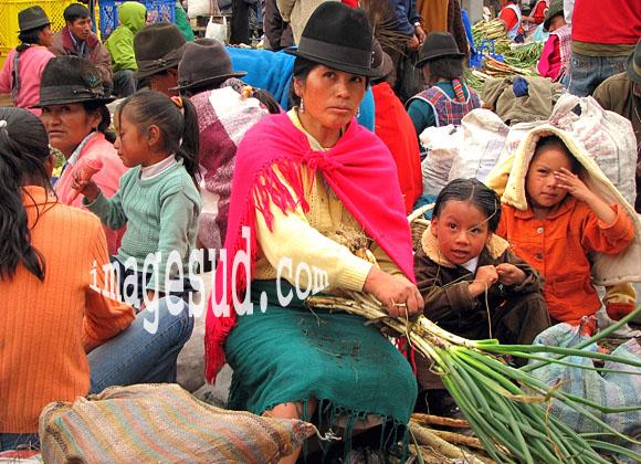 Scène de marché indigène, Amérique du sud, Equateur