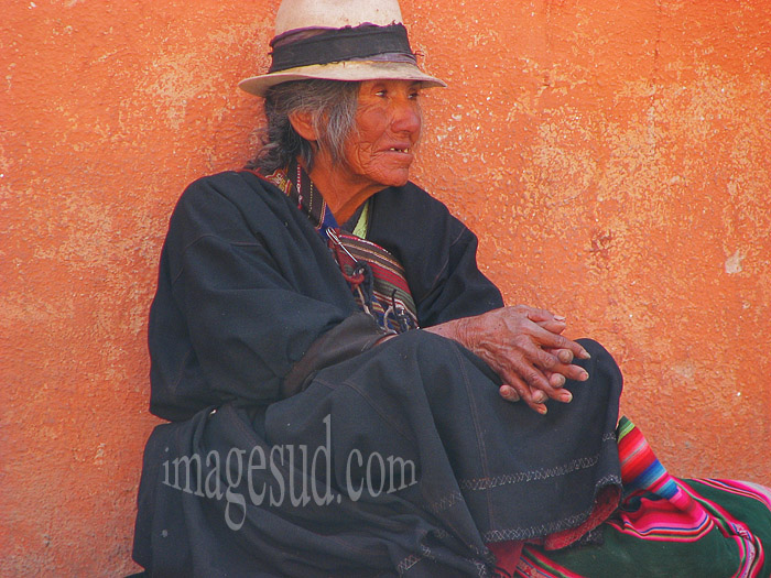Habit traditionnel des indiens des Andes en Bolivie