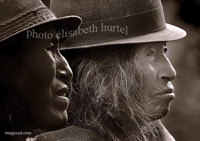 Portrait des Andes : deux indiennes des Andes en Equateur