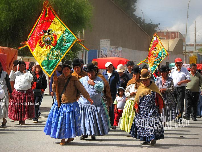 Bolivie : Manifestation de femmes indigènes, indiens Aymara des Andes