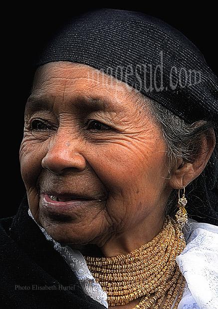 Portrait de femme indigène des Andes, Otavalo, Equateur