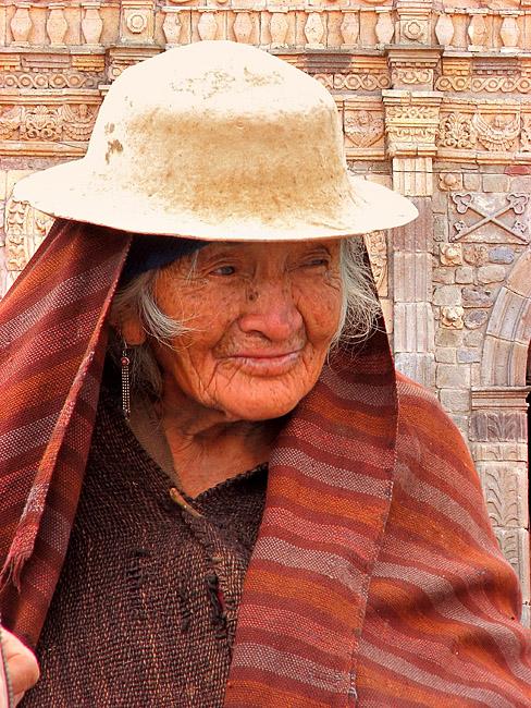 Portrait de vieille dame des Andes, peuples indigènes indiens d'Amérique du sud