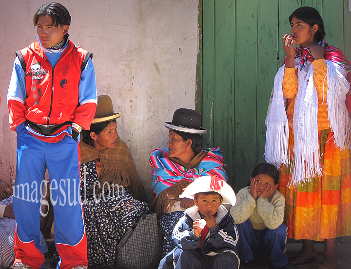 Scène de village en Bolivie