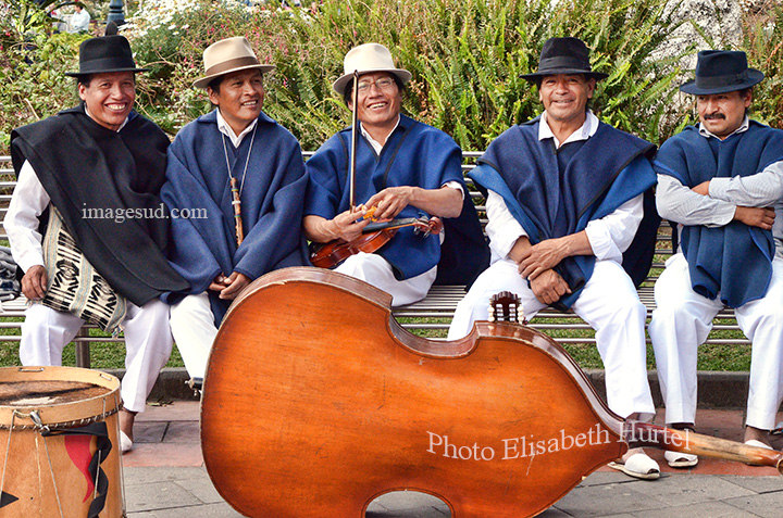 Traditional music in Ecuador. Musique traditionnelle en Equateur. Musica en Ecuador