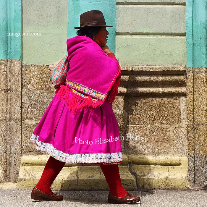 Elégante à Riobamba en Equateur. Traditional glamour in Riobamba, Ecuador
