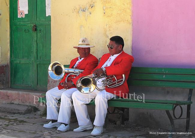 Musiciens, scène de rue en Bolivie