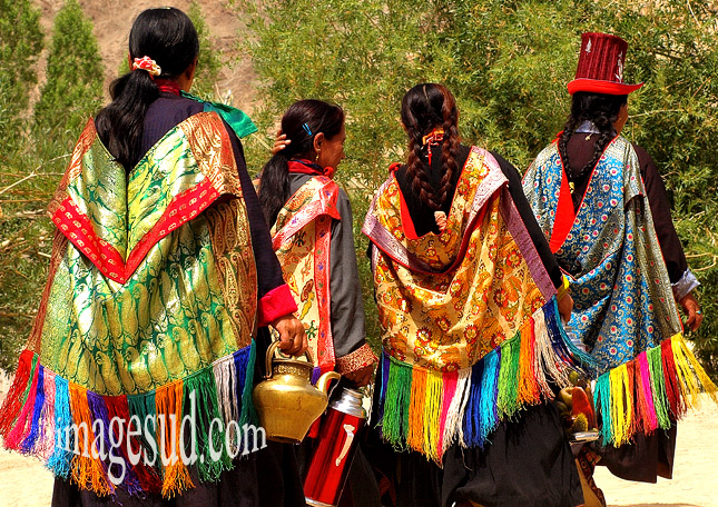 Habits traditionnels des femmes au Ladakh, Himalaya, Inde